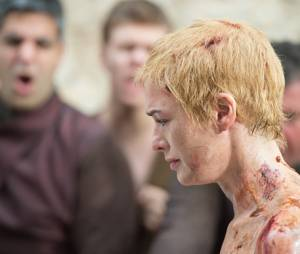 Game of Thrones saison 5 : pourquoi le corps nu de Cersei a-t-il été doublé lors de sa marche ?