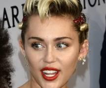 Miley Cyrus : est-elle en couple avec une superbe mannequin de Victoria's Secret ?