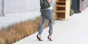 Cet homme a porté des chaussures à talons toute une journée : l'expérience inutile