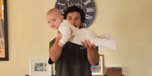 Et si vous aviez mal tenu les bébés toute votre vie ?