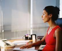 Canicule : quelle tenue correcte adopter au bureau (sans mourir de chaud) ?