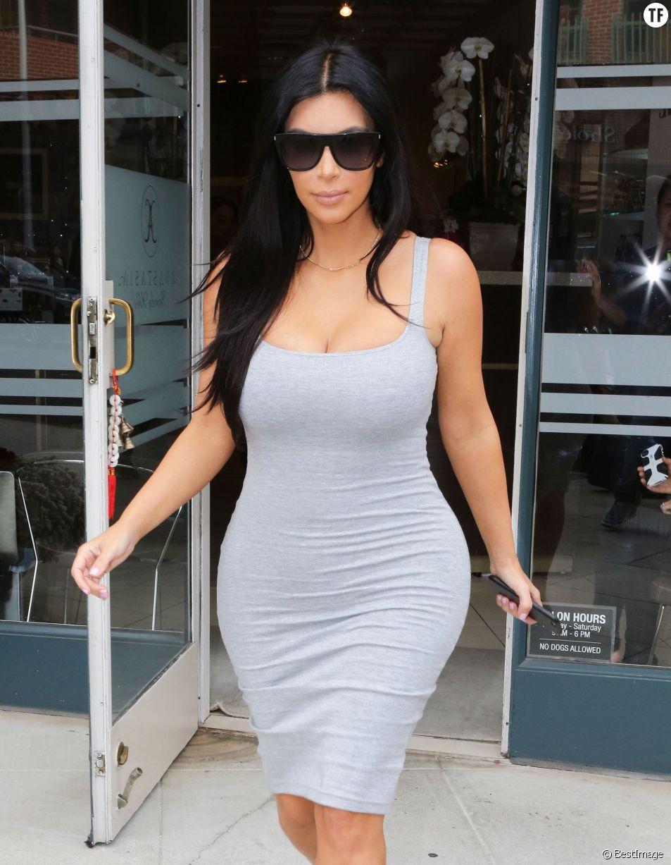 Kim Kardshian, sa taille fine et ses célèbres fesses : nouveau canon de beauté ?