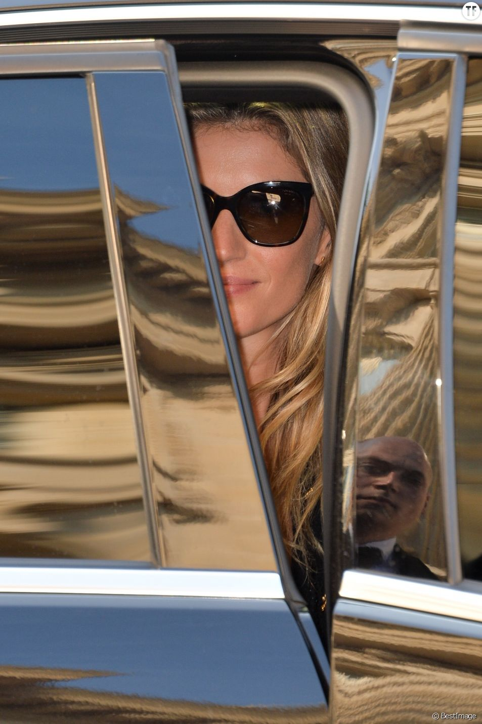 Gisele Bundchen à la sortie d'un défilé Chanel en 2015