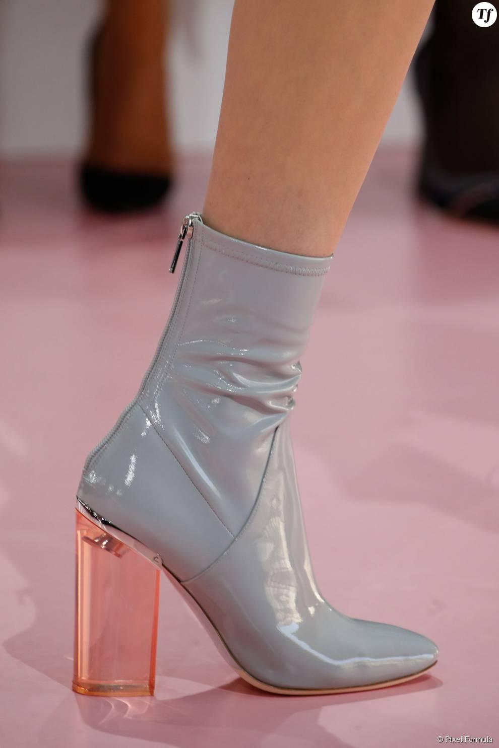 Défilé prêt-à-porter automne-hiver 2015-2016 : boots Dior.