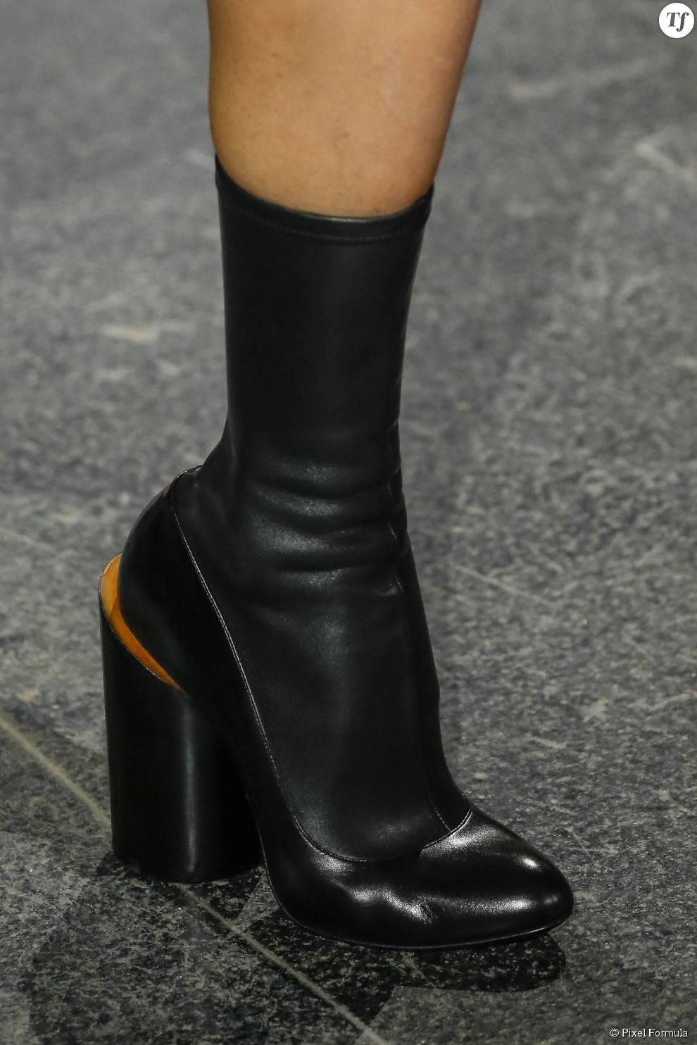Défilé prêt-à-porter automne-hiver 2015-2016 : boots Givenchy.