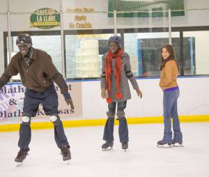 Les acteurs du film The Good Lie à la patinoire