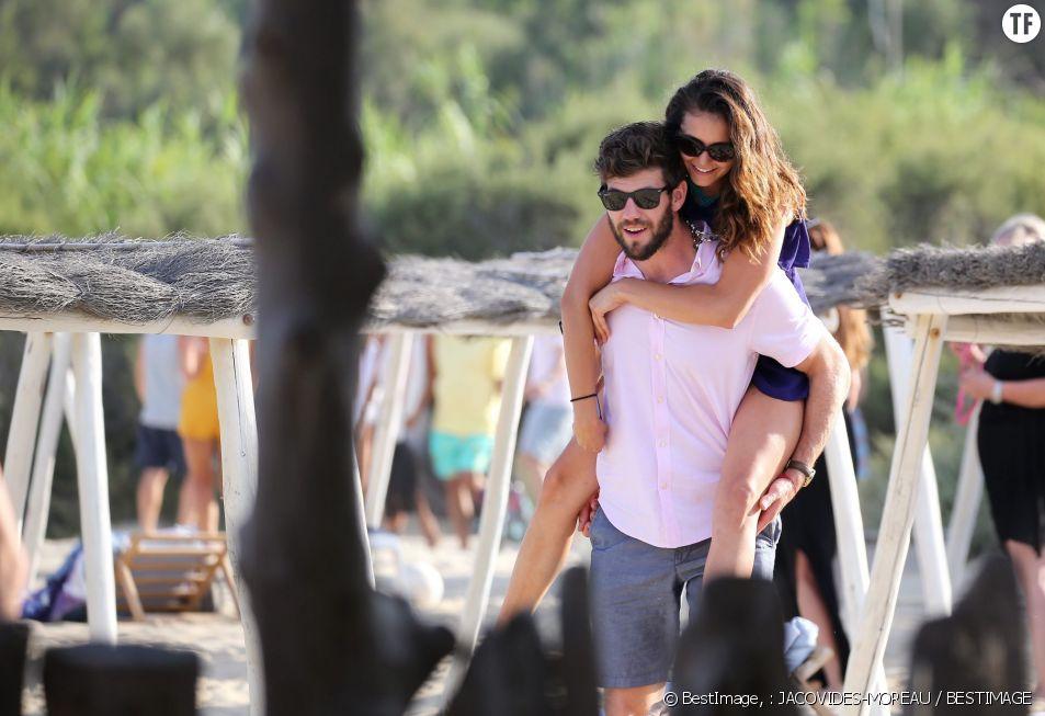 Nina Dobrev et son amoureux à Saint-Tropez
