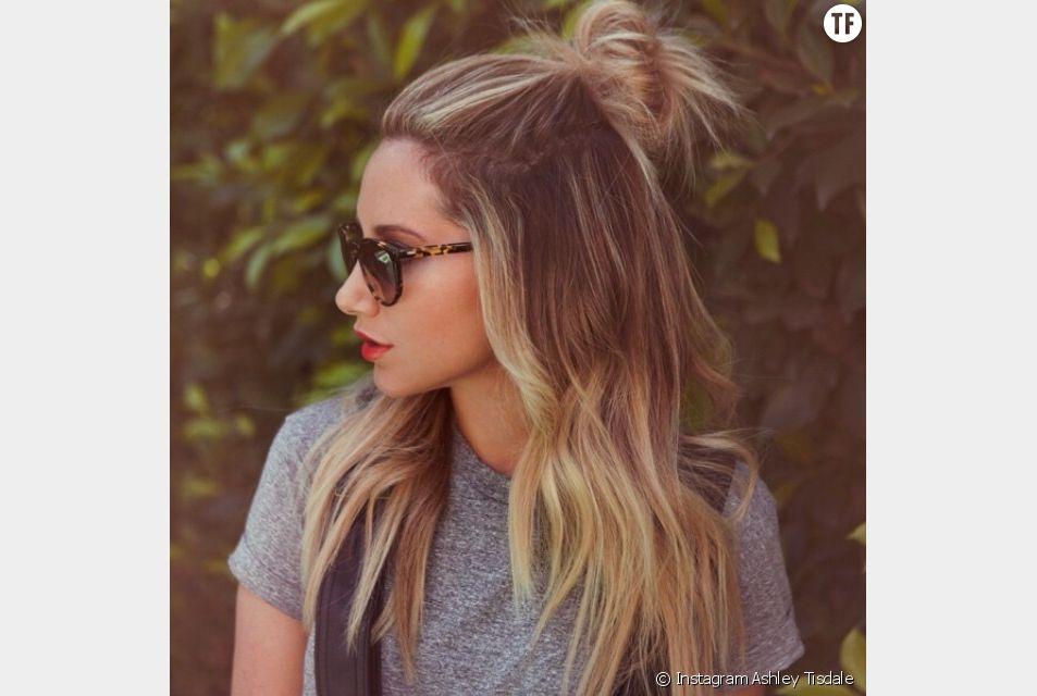 """Ashley Tisdale, la mythique Sharpay de High School Musical, adopte le """"hun"""" à la perfection."""
