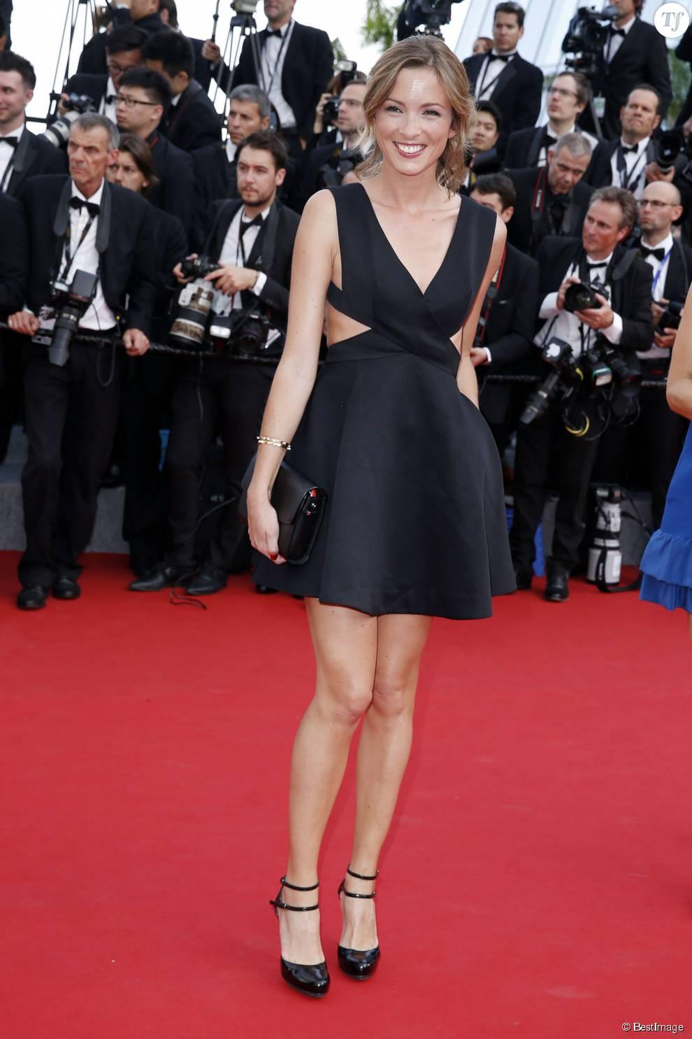 """Isabelle Ithurburu - Montée des marches du film """"La Tête Haute"""" pour l'ouverture du 68 ème Festival du film de Cannes – Cannes le 13 mai 2015"""