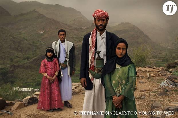 Stephanie Sinclair a réussi à capturer ce cliché choc de ces deux fillettes contraintes d'épouser deux hommes bien plus âgés qu'elles au Yémen...