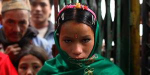 Trop jeunes pour se marier : une série de photos bouleversantes dénonce les mariage forcés