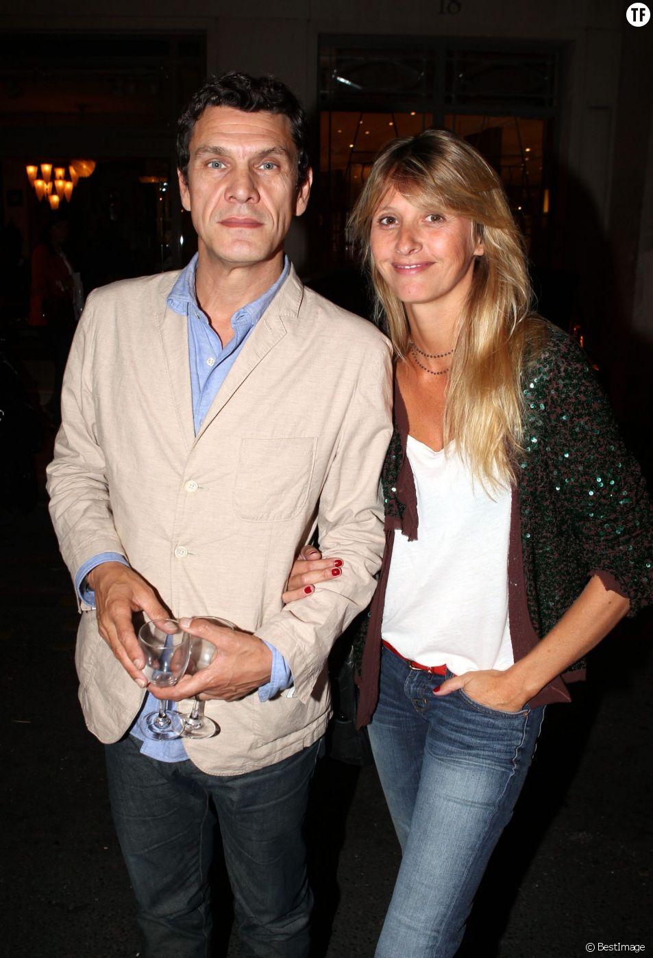 """PARIS 15 SEPTEMBRE 2011 EXCLUSIF VERNISSAGE DE L'EXPOSITION DE FRANCE LORY, """"DES ILS ET DES ELLES"""" DANS LA BOUTIQUE DE MICHEL KLEIN SITUEE RUE JACOB A PARIS. MARC ET SARAH LAVOINE"""
