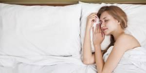 Belle au soin dormant : 10 produits de beauté qui travaillent pendant la nuit