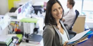Grossesse au travail : comment limiter le stress quand on est enceinte ?