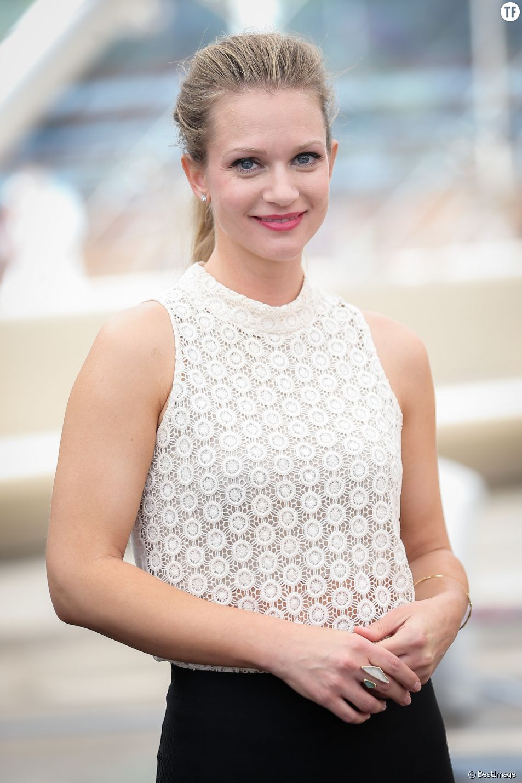 """A. J. Cook lors du photocall de la série """"Esprits Criminels"""" au 54 ème Festival de télévision de Monte-Carlo. Le 9 juin 2014"""
