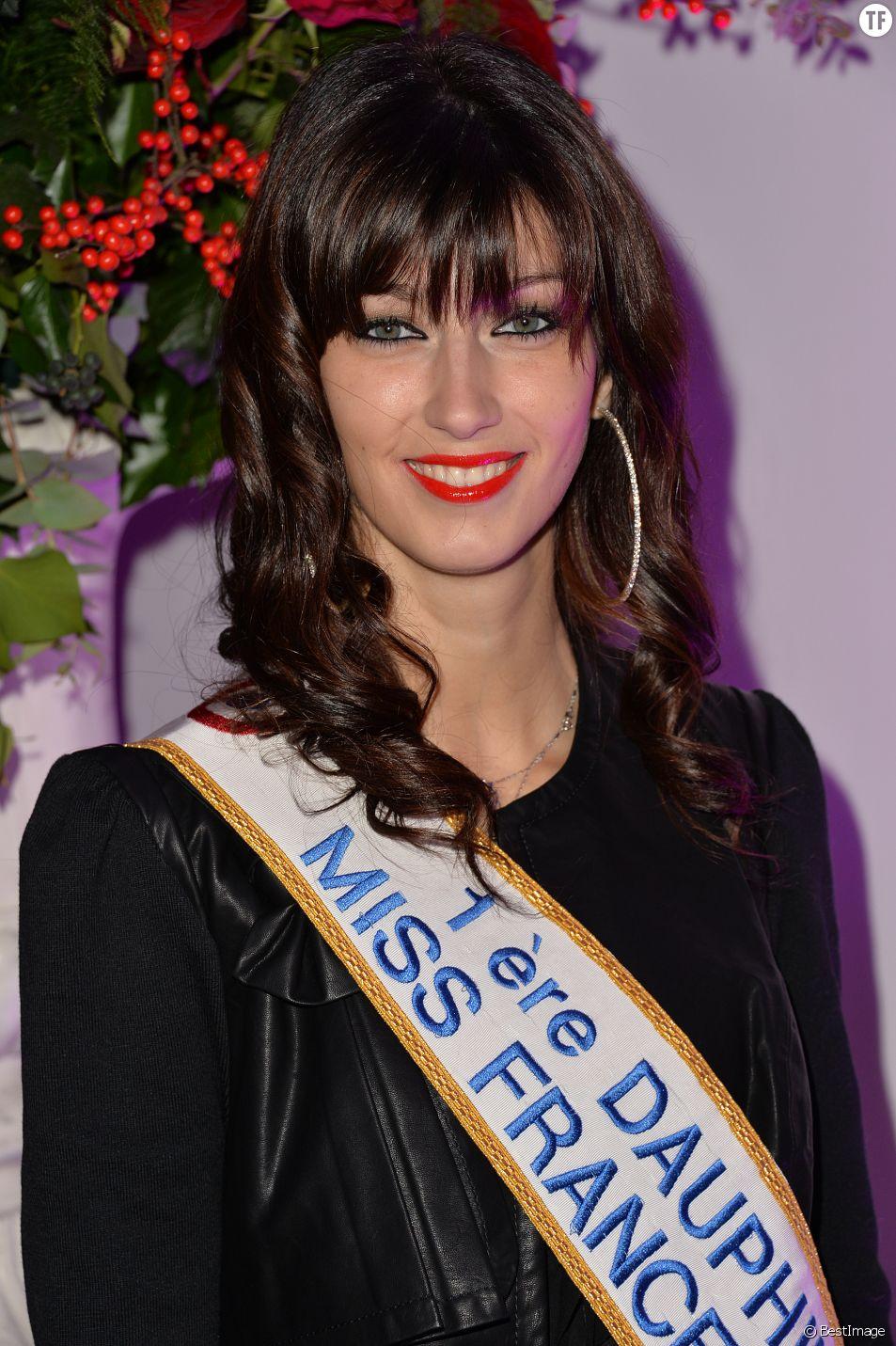 Sophie Vouzelaud (1ère Dauphine Miss France 2007) - Cocktail pour les 1 an de la maison Aloha Paris Luxe aux Salons Hoche à Paris, le 19 décembre 2014.