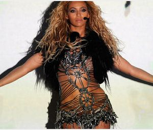 Beyoncé chante enceinte dans « Countdown » - Vidéo clip