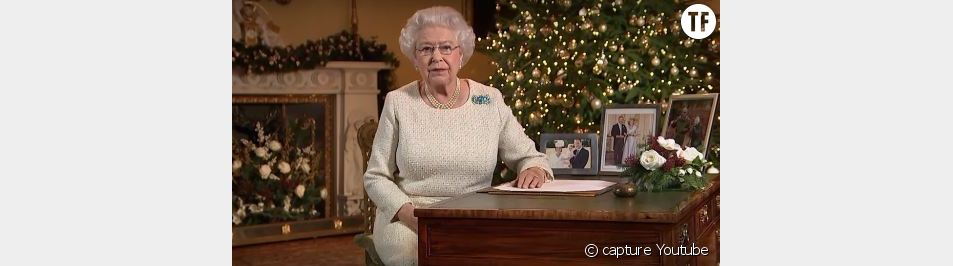 La reine souhaite la bienvenue a Charlotte