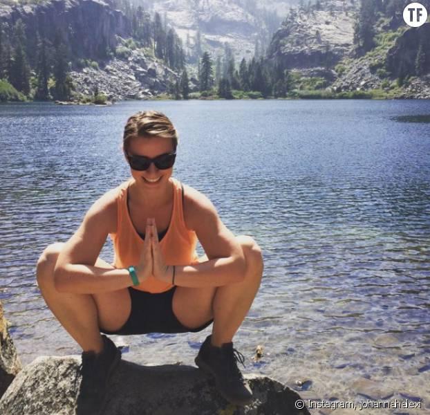Le squat, ou malasana, est la posture de base du yoga.