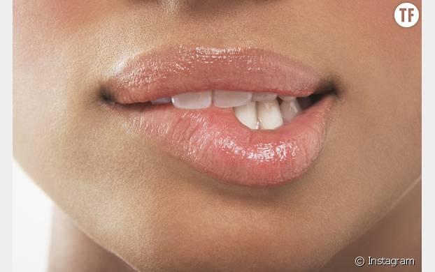 Pour des lèvres parfaitement hydratées, passez à l'huile de noix de coco!