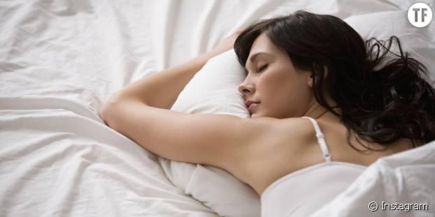 La qualité de notre sommeil est compromise par le stress et le temps passé devant un écran
