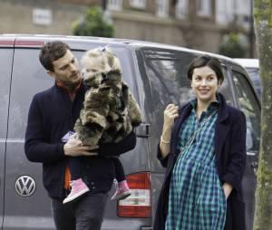 Jamie Dornan : sa femme Amelia Warner ravissante à Londres après son accouchement (photos)