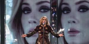 Adele : son hommage très émouvant aux victimes des attentats de Bruxelles (vidéo)