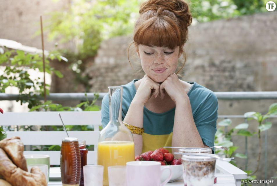 S'écouter manger pourrait permettre de perdre du poids