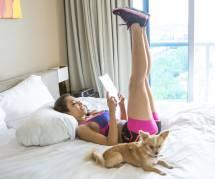 Fitness : comment faire des abdos dans son lit