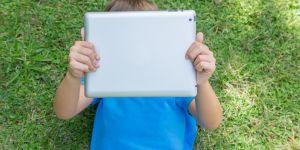 Les tablettes numériques auraient des pouvoirs calmants sur les enfants