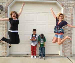 Ces parents fêtent la rentrée de leurs enfants avec des photos hilarantes