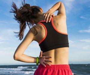 Les 6 meilleurs étirements du cou pour éviter les douleurs cervicales
