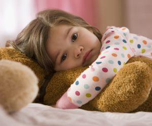 Mon enfant n'arrive pas à dormir : je fais quoi ?