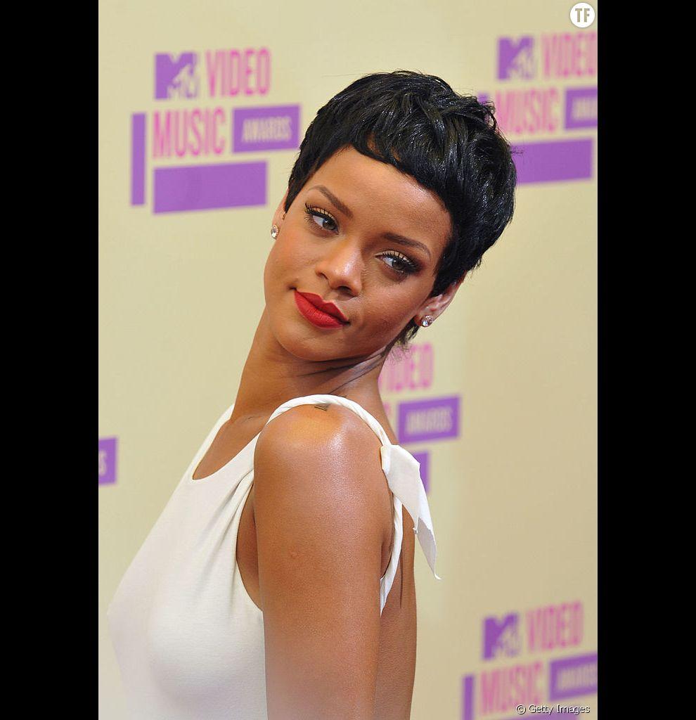 La coupe courte de Rihanna.