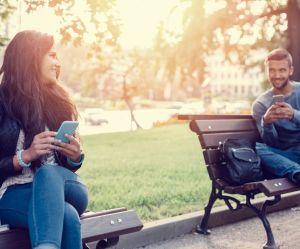 Les SMS pourraient être mauvais pour votre couple