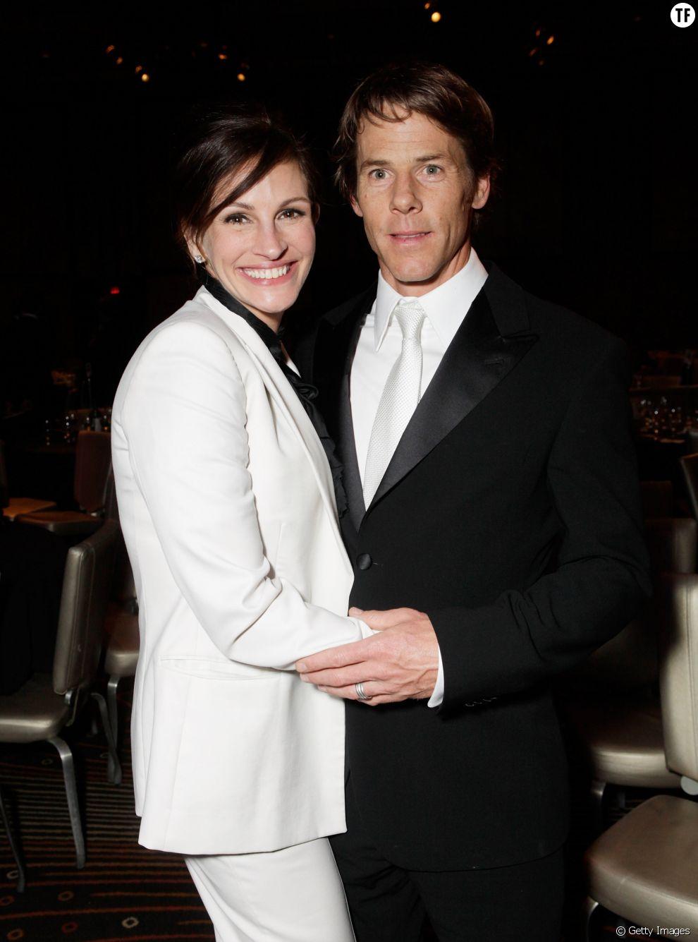 En 2001, Julia Roberts rencontre Daniel Moder sur un tournage. Son rôle ? Directeur de la photographie. Mariés en 2002, les amoureux sont parents de jumeaux.