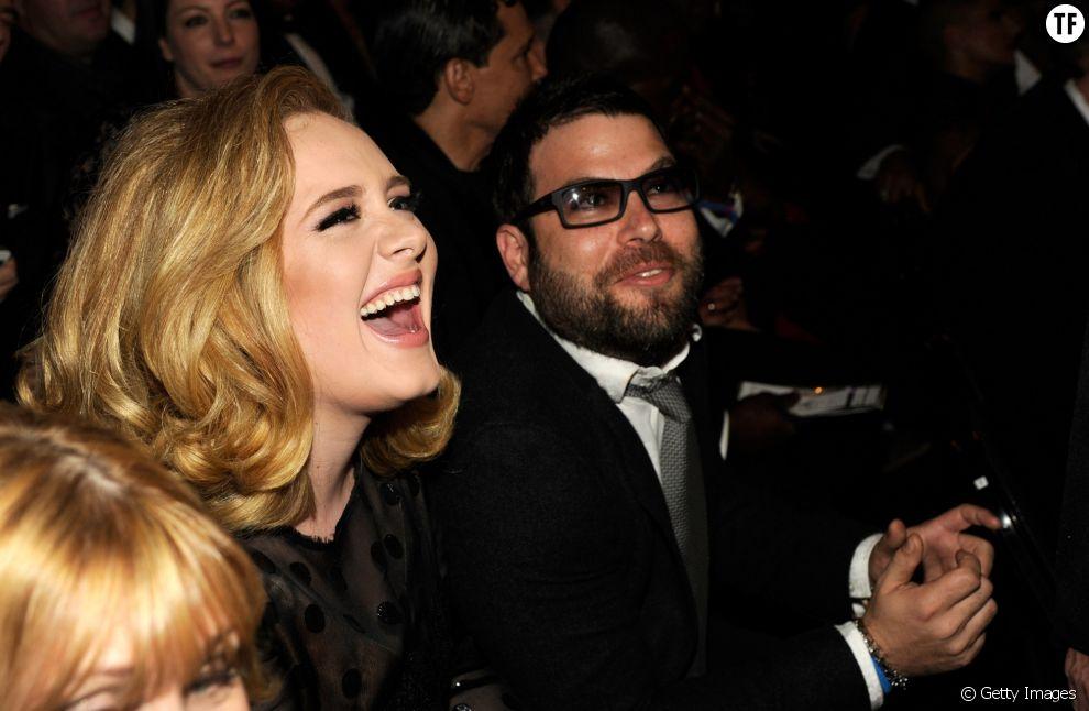 Adele est en couple avec l'homme d'affaires Simon Konecki depuis 2012. Ensemble, ils ont un petit garçon prénommé Angelo James.