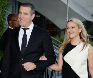 Divorcée du beau Ryan Phillippe en 2007, Reese Witherspoon a retrouvé l'amour dans les bras de l'agent Jim Toth, en 2010. Ils ont un petit garçon ensemble, né en 2012.