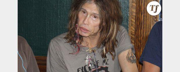 Steven Tyler d'Aerosmith blessé dans sa chambre d'hôtel - vidéo