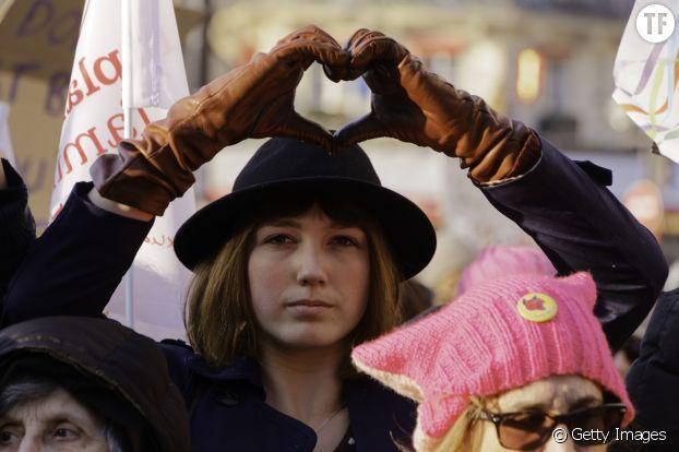 Une manifestante à la Women's March de Paris