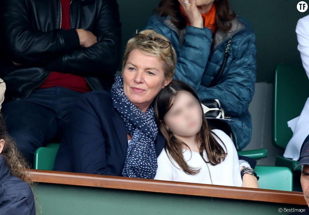 Elise Lucet et sa fille Rose à Roland Garros à Paris le 4 juin 2016
