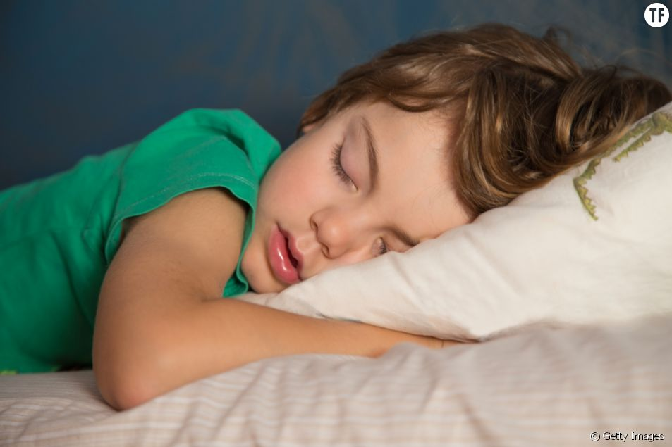 Combien d'heures de sommeil un enfant a besoin