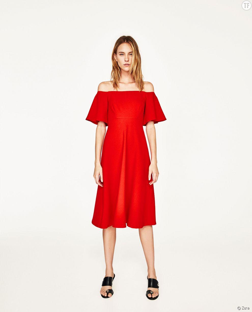 Robe à épaules dénudées Zara, 39,99€