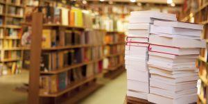 Des antiféministes attaquent une librairie et se font troller en retour