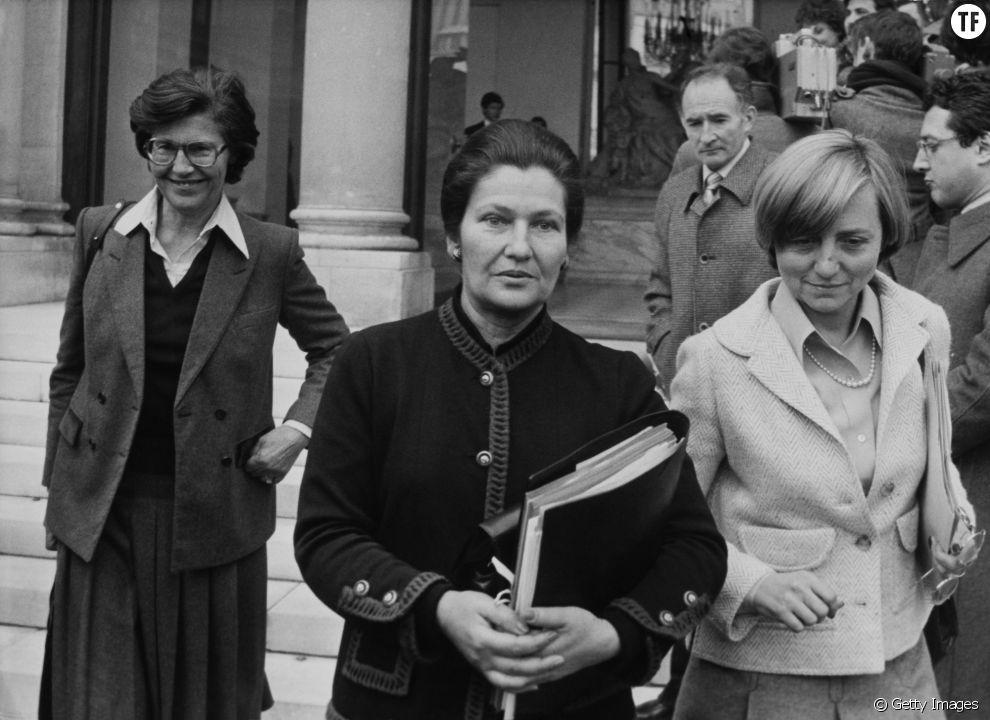 Simone Veil à la sortie d'un Conseil des ministres en 1979