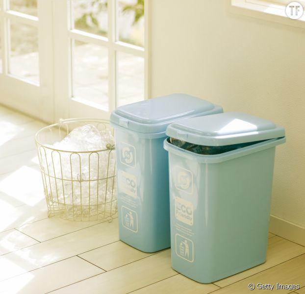comment d sodoriser sa poubelle en moins de 10 secondes terrafemina. Black Bedroom Furniture Sets. Home Design Ideas