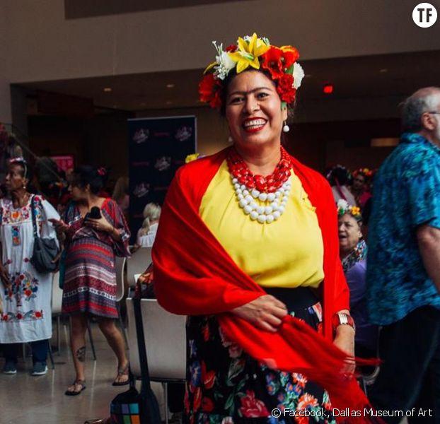 Des milliers de personnes transformées en Frida Kahlo pour célébrer la peintre