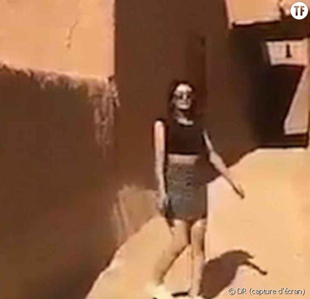 Une femme en minijupe interrogée par la police — Arabie Saoudite