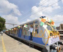 L'Inde lance des trains écolos à l'énergie solaire