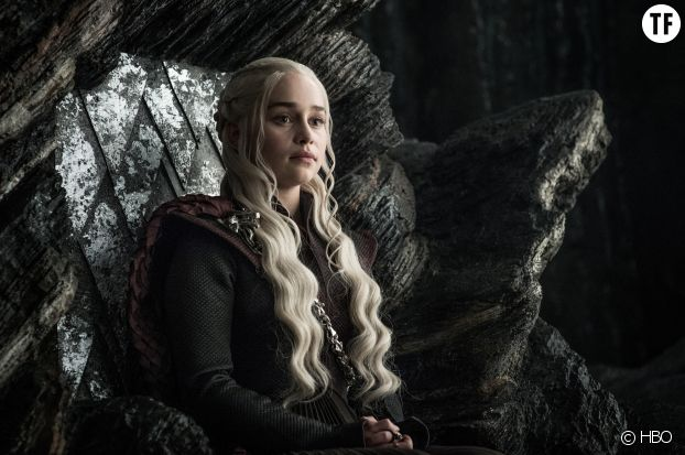 Daenerys ordonne à Jon de se mettre à genoux devant elle